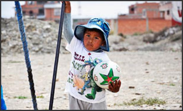 Fotball krysser grenser i Bolivia